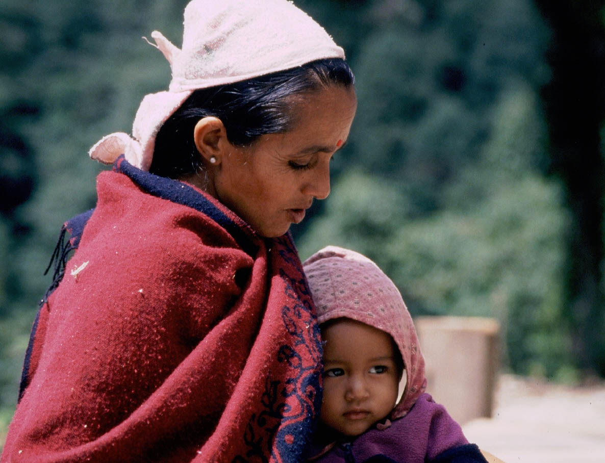 care-nepal-about2